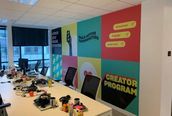 Sticker-installés-décoration-bureaux
