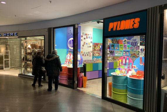 pylones centre commercial beaugrenelle à paris enseigne exterieure lumineuse